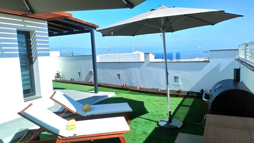 Sea-view terrace