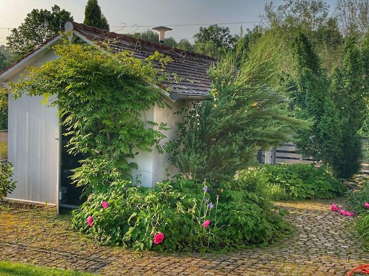 Hexenhäuschen im Weltnaturerbe - mit großem Garten