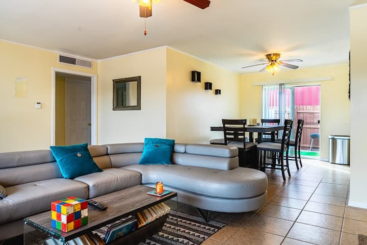 Spacious East Side Getaway Home-Airport/Ft. Bliss