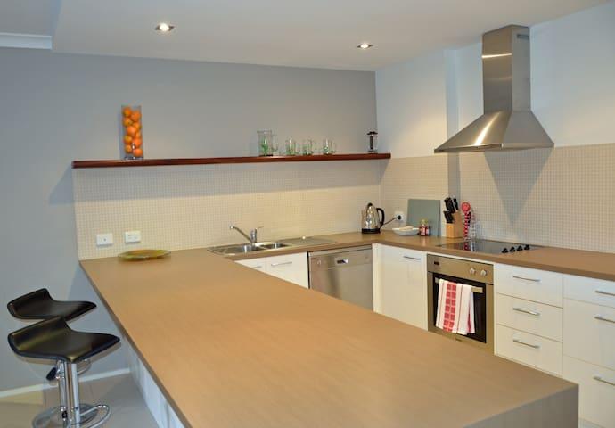 Spacious Apartment in beautiful Queenscliff