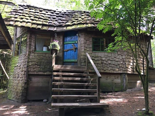 The Blue Door Cabin