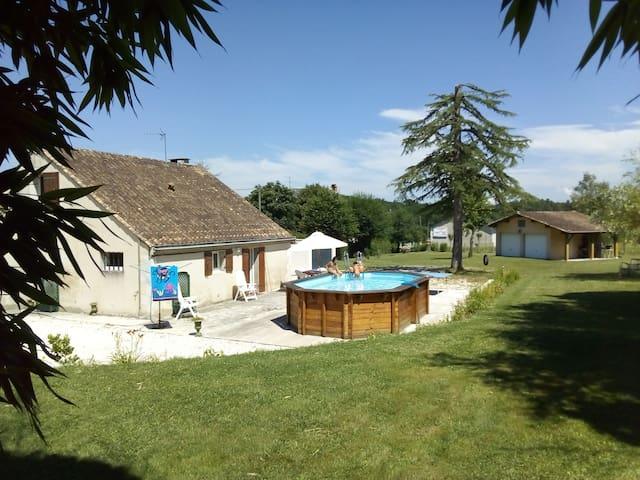 Gîte-Les Bambous-Echourgnac Périgord 1/6 places
