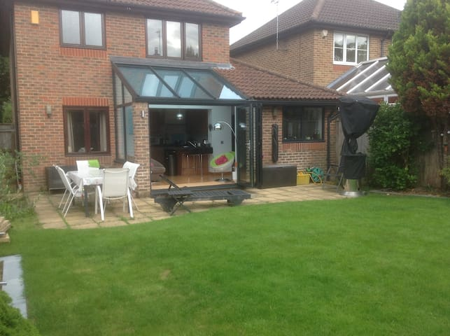 PRIVATE ROOM (TWIN OR KINGSIZE) - Burgess Hill - Haus