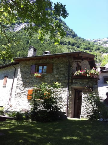 Baita Le Cascate Val di Mello - Val Masino - Cabin
