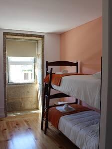 Hostel Casa do Pinheiro - Quarto 3 - Lagares