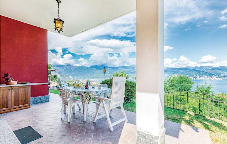 Holiday apartment with 1 bedroom on 70m² in Stresa VB