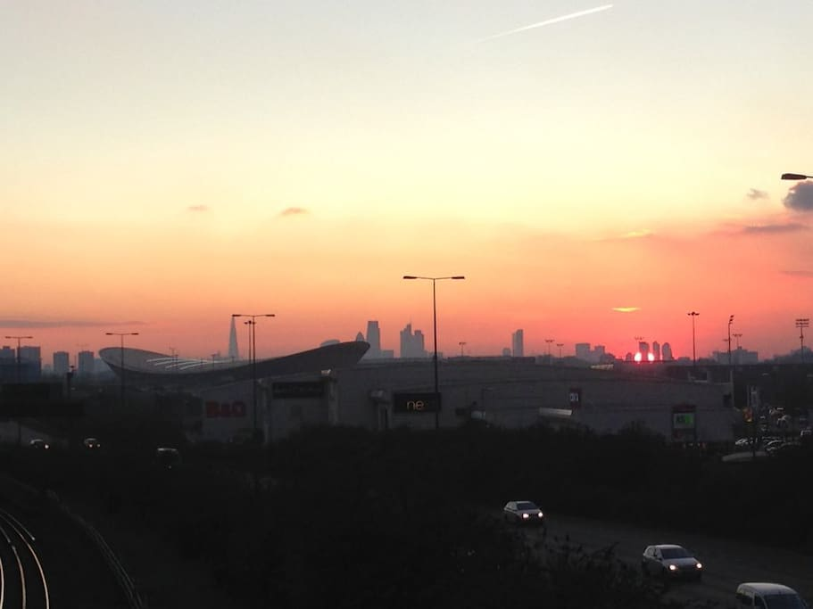 Sunset from Leyton station, pic taken by me 20 January 2016. Velodrome, Copperbox, Olympic Stadium, Orbit Tower all about twenty mins walk away or one stop on the tube.