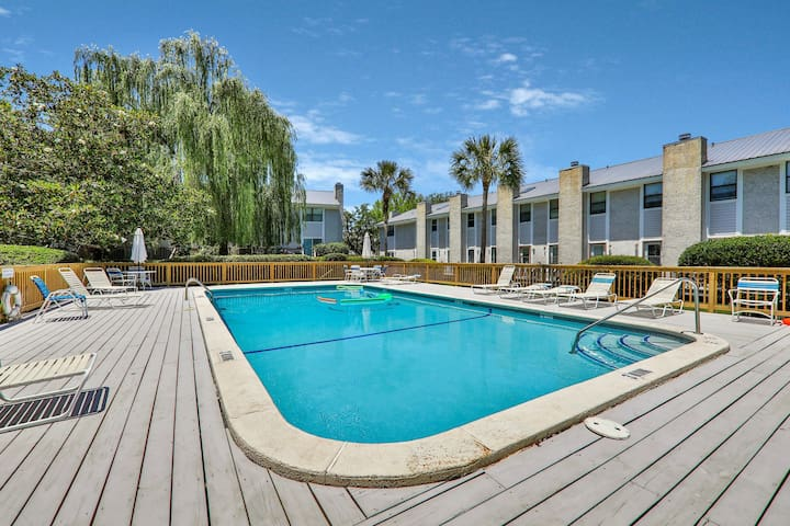 Golf course view townhome w/ furnished balcony & shared pool!