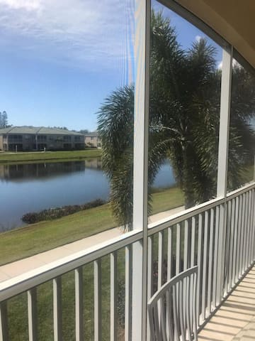 Minutes to the BEACH! FURNISHED Lakefront Paradise