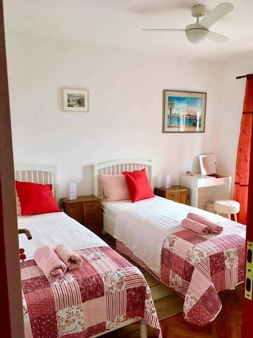 Kreveti mogu biti smješteni zajedno ili odvojeno