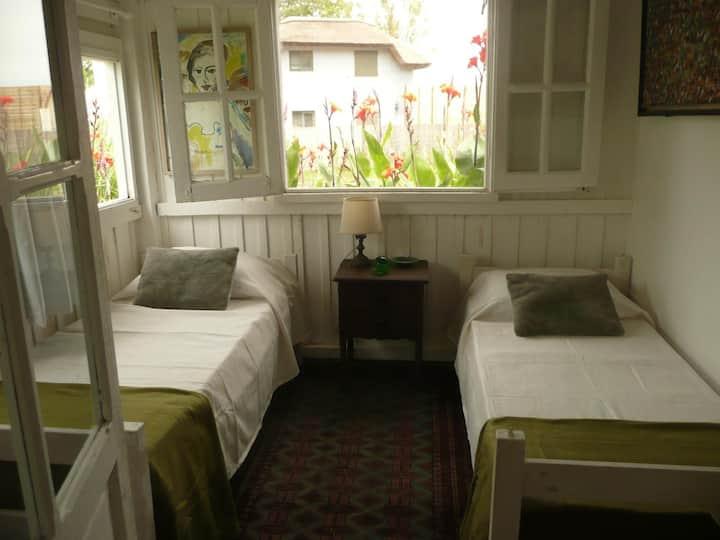 Kama-Loka , Bed & Breakfast (V)