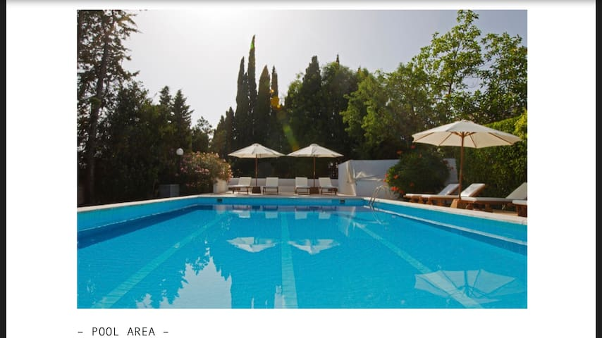 Nice villa directly in d' bossa. 5 min to beach