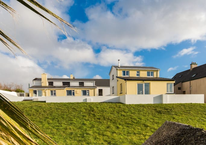 Large family beach house in Waterville - sleeps 15