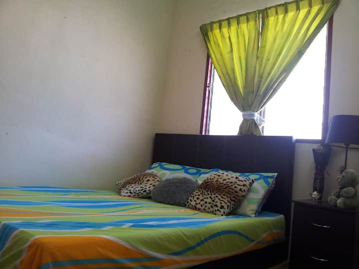 Homestay near KLIA n Sepang Circuit (House 2)