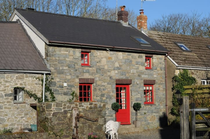 The Tackroom @ Nogg Cottages - Solva - Hus