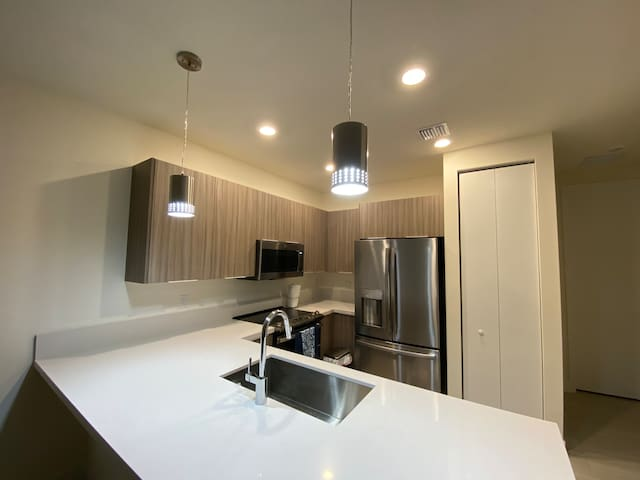 NEW APARTMENT IN DORAL, FL