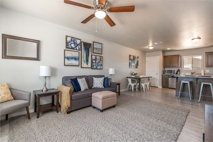 BRAND NEW DUPLEX!! Minutes from every amenity!!