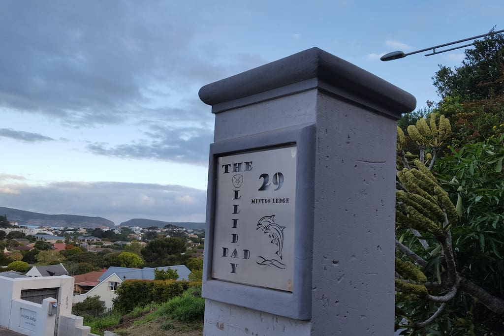 Welcome toThe Holliday Pad  29 Mintos Ledge Plettenbergbay!