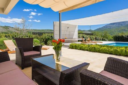 Stunning VILLA SOFIA with pool in Split hinterland