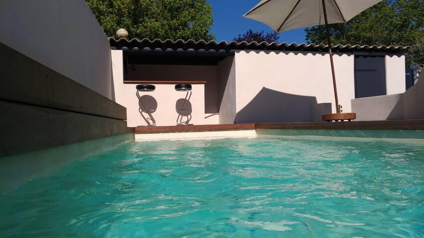 Charmante maison au calme avec piscine