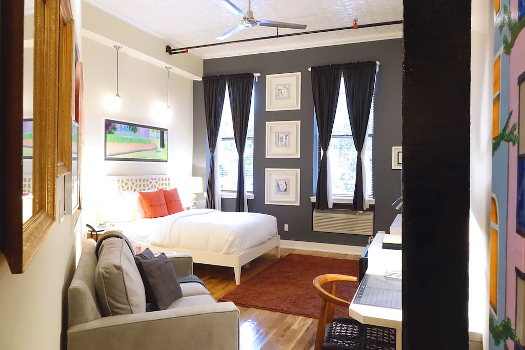 gorgeous studio loft in brooklyn lofts louer brooklyn new york tats unis. Black Bedroom Furniture Sets. Home Design Ideas