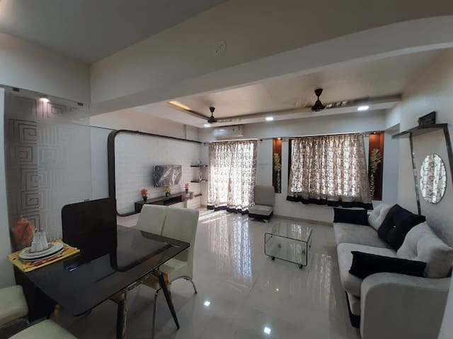 2 BHK Fully Furnished Apartment with White Goods