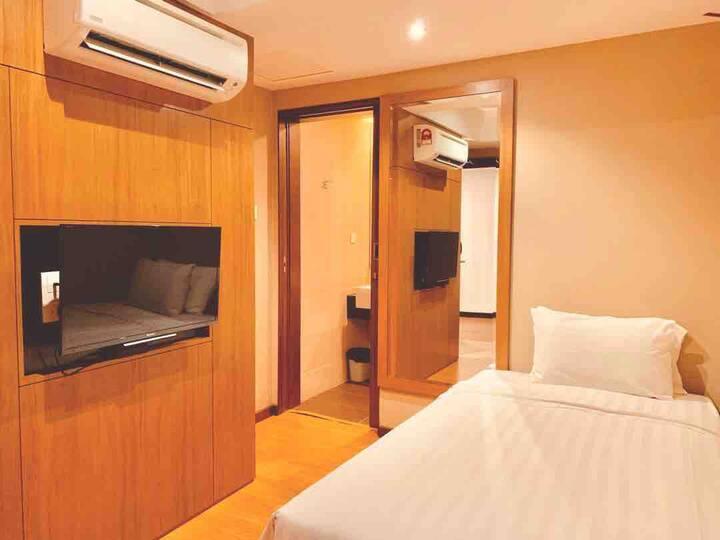Single Bedroom <1 Pax> 单人房