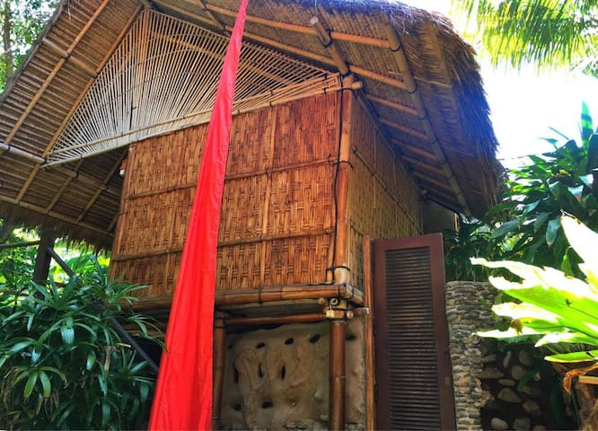 Bamboo Hut @ Lumbung Damuh, Seaside Eco-homestay