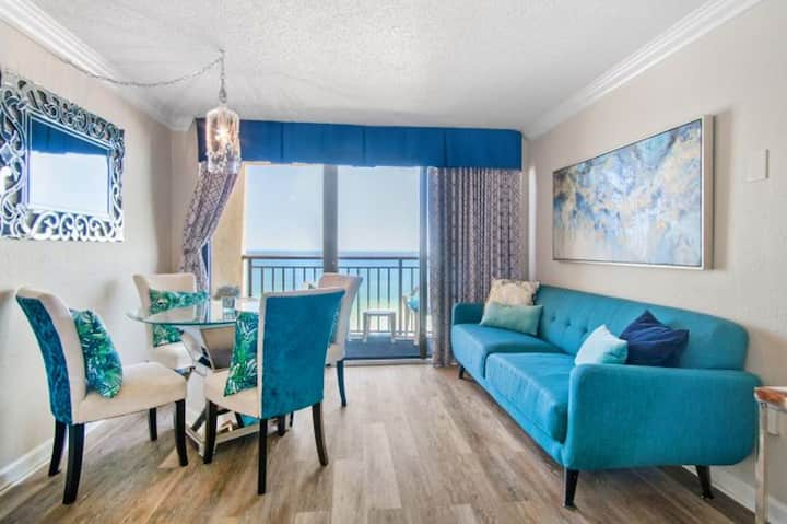 Holiday Inn Pavilion 701 - 1 BR in Heart of Myrtle Beach