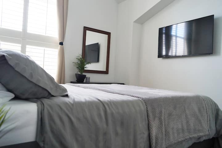 3 Bed & 3 Bath Home ~ 32min BART to San Francisco