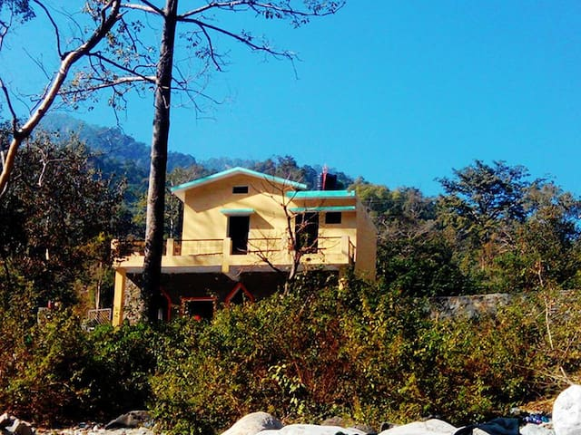 Holiday Home by a beautiful River in Mountains - Nainital - Rumah
