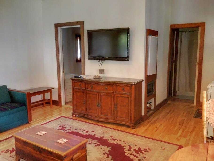 Living room of Skamokawa Apartment.