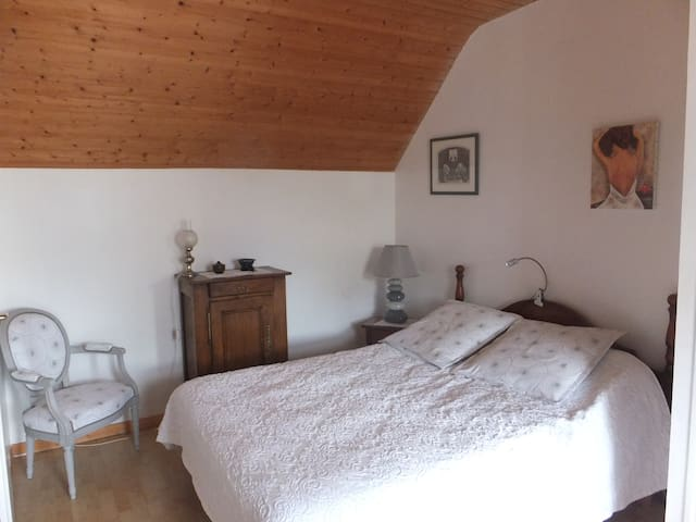 Chambre confortable chez l'habitant- Pont L'Abbé