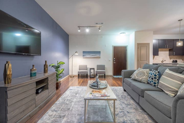 LUXURIOUS MODERN MIDTOWN COZY/FULLY EQUIPPED CONDO  - ⭐⭐⭐⭐⭐