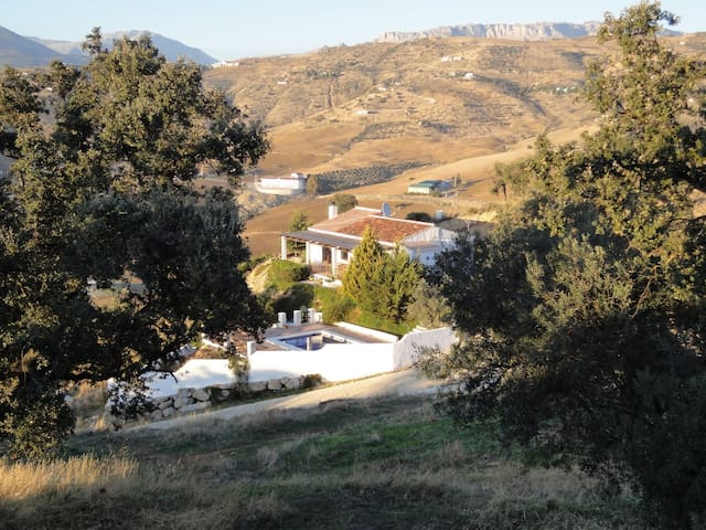 Andalucian finca with private pool, stunning views - Villanueva de la Concepción - Huis