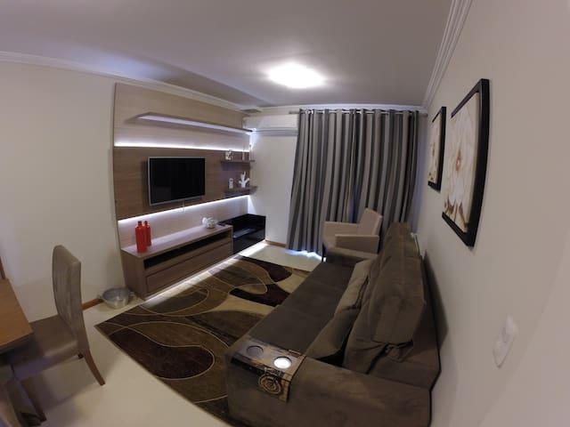 Apto de um dormitório a 02 quadras da Rua Coberta - Gramado - Apartment