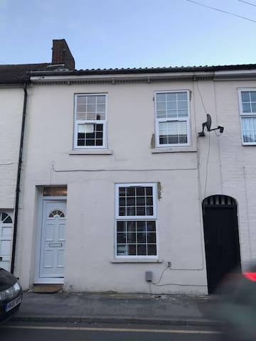 Rooms To Rent Dunstable - Dunstable - Hus