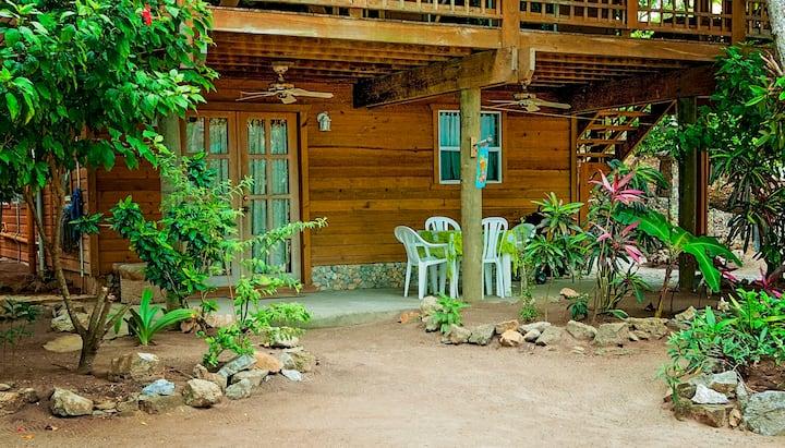Casa Descanso, Blue Island Divers Resort