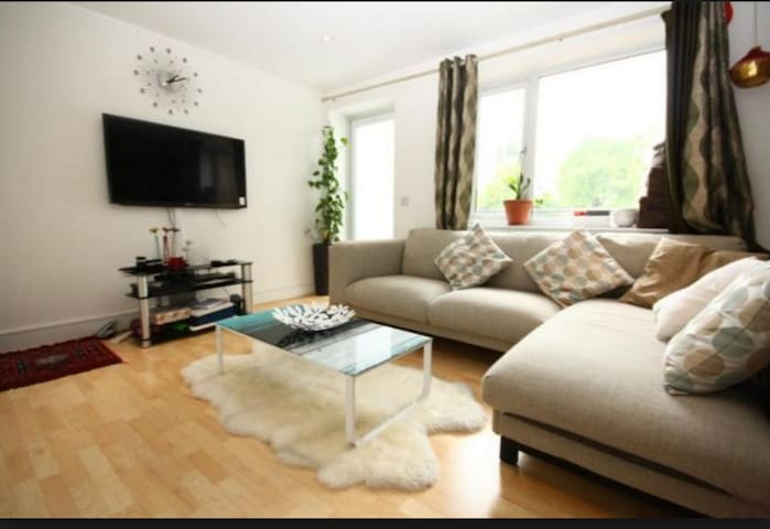 7Min Heathrow Lux 2 bedroom/2 bathroom apartment - Stanwell - Appartement