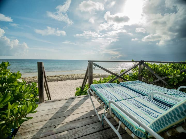 2BR Beach House Steps from Mile-Long Pink Sand Bch