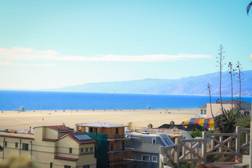 30 minutes away from beautiful Santa Monica