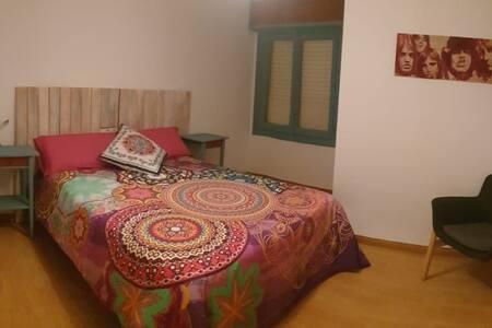 Habitación ACDC para 1 o 2 personas