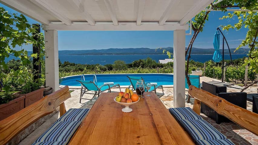 Two bedroom house with terrace and sea view Bol (Brač) (K-12228)