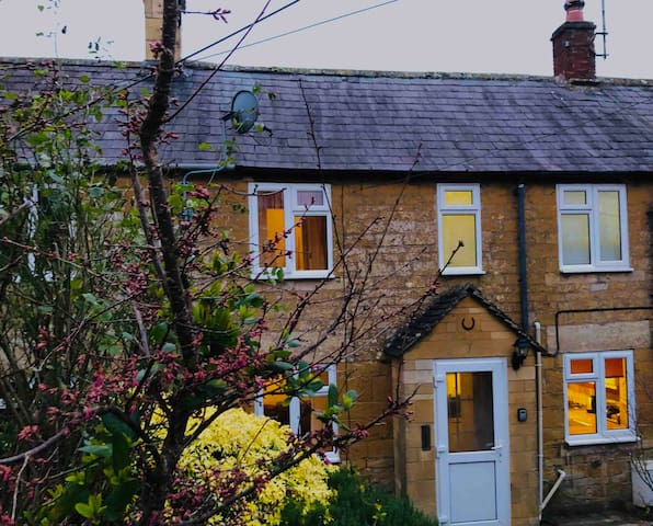 Lovely cosy home in idyllic village of Blockley