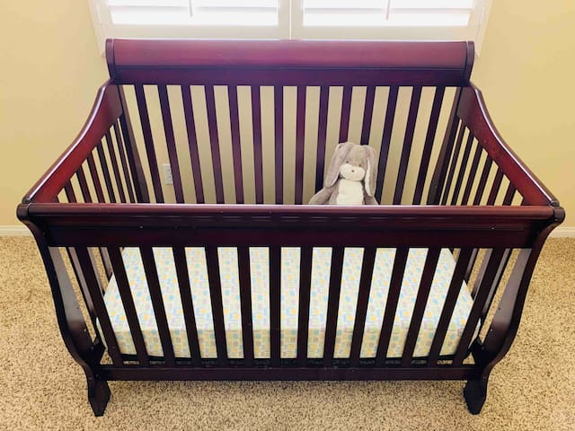 Crib in bedroom #3