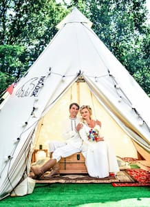 GLAMPING Tipi on the farm NEXT to the swimmin pool