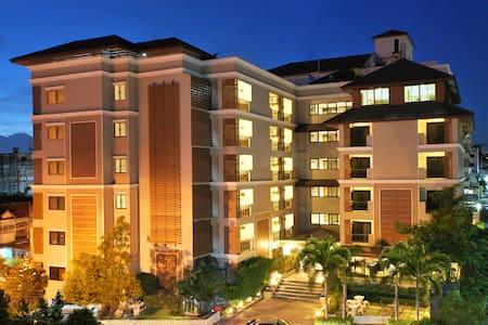 โรงแรมแกรนด์มารีน่าเรสซิเด้นท์ อ่าวอุดม แหลมฉบัง - Si Racha - Wohnung