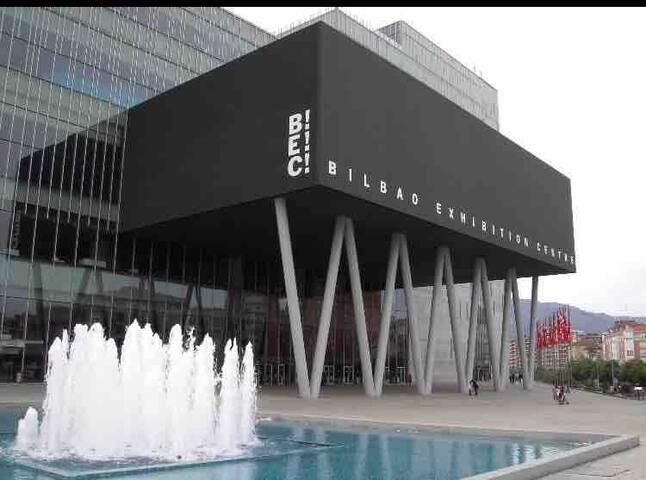Habitación a 10 min metro de Bilbao, cercana a BEC