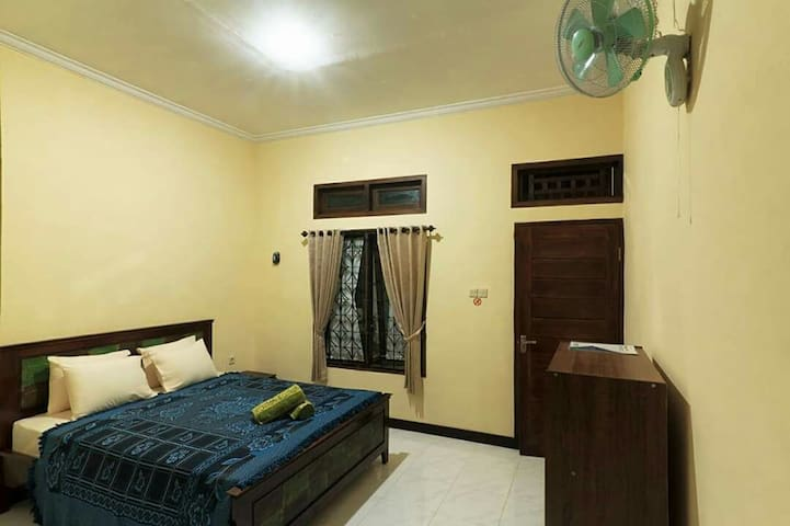 Staycation Homestay by Lombok Ventures (AC Room)