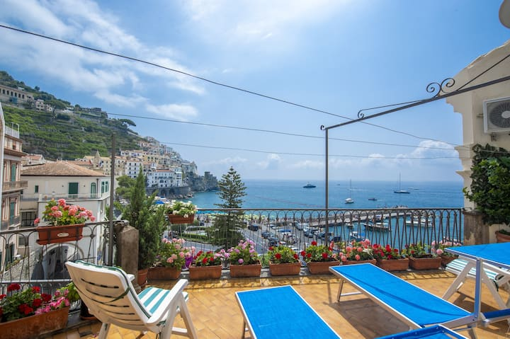 Amalfi Sun, central terrace sea view